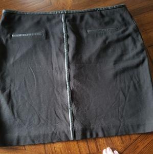 Mode de Vie black fully lined skirt, Size 16